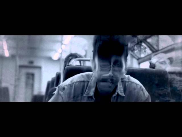 Videoclip de The Broken Window, de Beak.