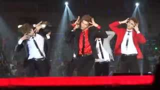 VIXX (빅스) - On and On (다칠 준비가 돼 있어) KCON 2014 140809 [Fancam]