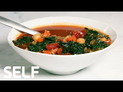 Healthy Cooking: Vegan Farro Minestrone Soup Under 400 Calories