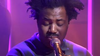 Sampha - Too Much (live @ DWDD)