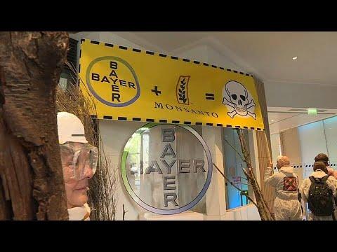 """Le siège de Bayer-Monsanto transformé en """"chaos environnemental"""""""