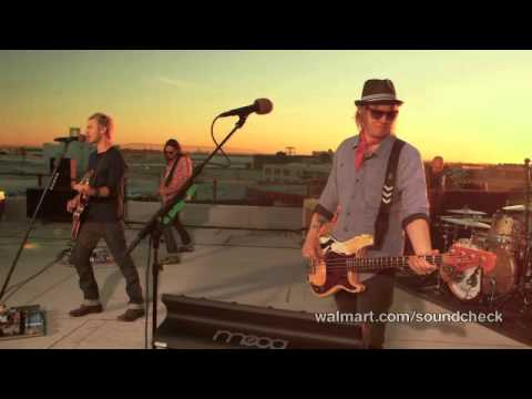 lifehouse-hanging-by-a-moment-walmart-soundcheck-lifehousefrancenet