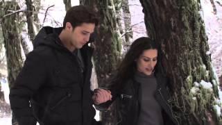 Cleo Pires entre tombos e beijos românticos com Rômulo Neto na neve