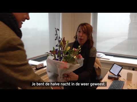 Bloemetje voor crisismanager in Zaltbommel: 'Door haar harde werk kon ik doorslapen'