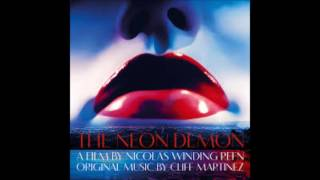 """Cliff Martinez - """"Ruby's Close Up"""" (The Neon Demon OST)"""