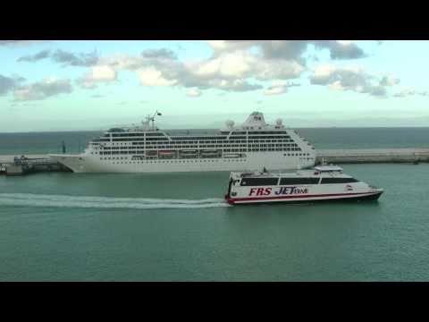 Ocean Princess in Nordafrika: Der Kreuzfahrer liegt im Hafen von Tanger, Marokko