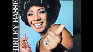 "Shirley Bassey ""Cry Me a River"""