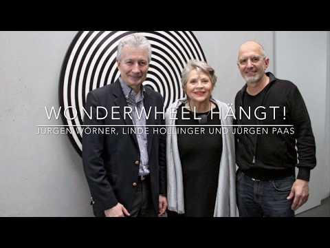Jürgen Paas installiert sein Kunstwerk WONDERWHEEL