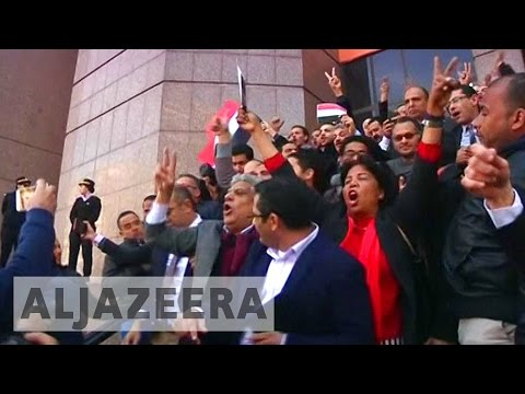 Egyptians celebrate Red Sea islands verdict