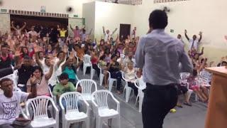 Pastor Marcio Martins A Macubeira Quis fecha a igreja veja o vídeo