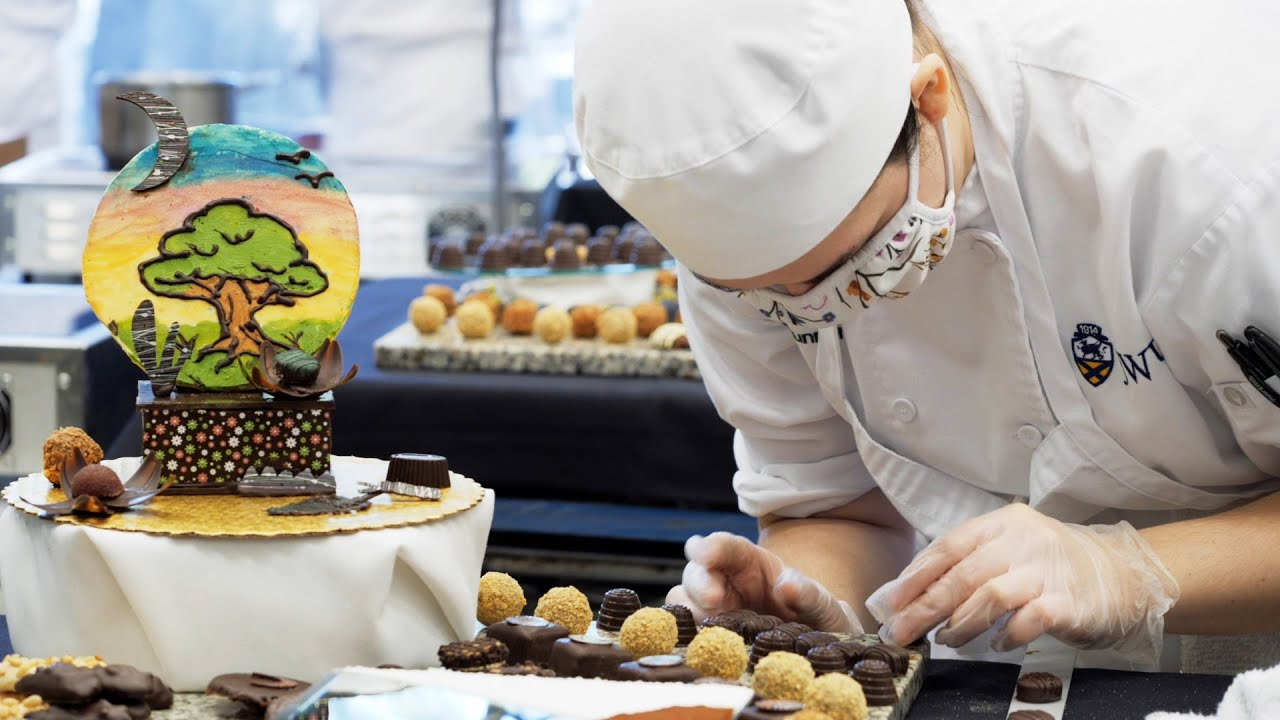 See our Baking & Pastry Students Get Creative thumbnail