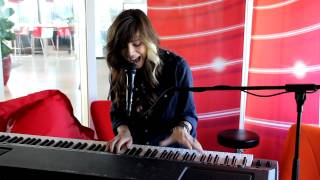 Q-music (NL): Christina Perri - Jar Of Hearts (live bij Q-music)
