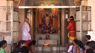 Aarti Kijiye Shri Natvar Ki - Lord Kishna Bhajans - Hindi Devotional Songs