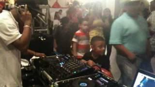 DJ Travieso Live- Trival