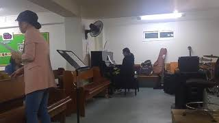 Nani played the piano for us.