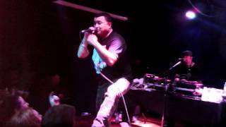 Lyrics Born-Callin' Out featuring Lateef the Truthspeaker LATYRX live in Portland Oregon