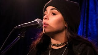 Maggie Lindemann perfoming Pretty Girl and Knocking on Your Heart