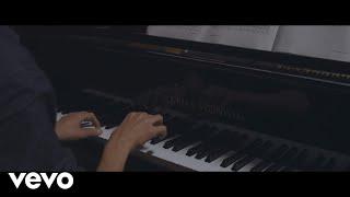 Tom Walker - Leave a Light On (Live Session)