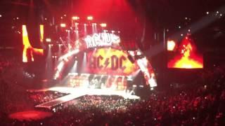 "AC/DC - ""TNT"" - LIVE"