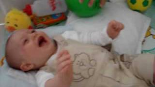 Gargalhada risada de bebê - the best baby`s laugh