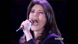 Laura Pausini. Amores extraños. italiano-español. RAIDUE Italia.wmv
