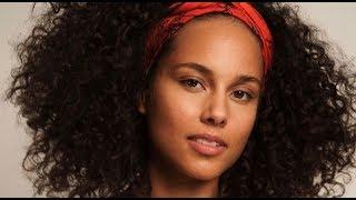 Alicia Keys tuvo que aprender a ser madre mucho antes de tener hijos