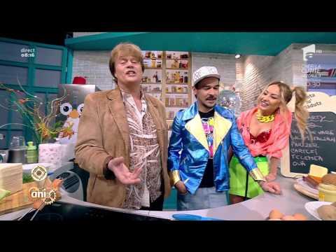 """""""'90 party food"""". Cartofi prăjiți cu ouă și brânză rasă și sandviș cu parizer și salam italian"""