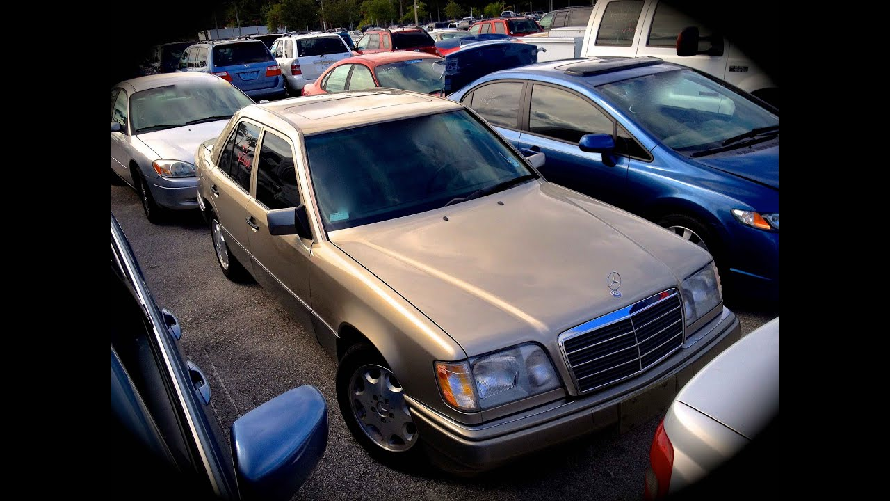 1995 Mercedes-Benz E320 W124 Start Up, Quick Tour, & Rev With Exhaust View - 69K