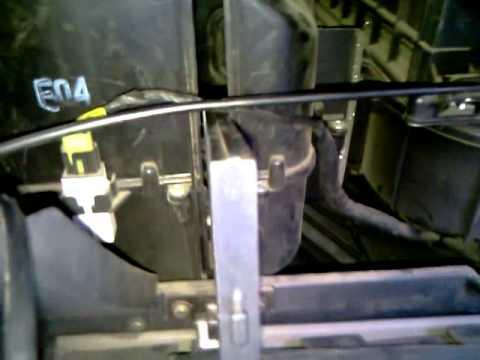 Видео урок №1-замена воздушного фильтра салона Hyundai Getz