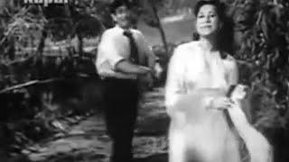 Ta ra ri aa ra ri ye sawan rut tum aur hum..Suraiya_Rafi_Shakeel_Naushad_Dastaan1950..a tribute