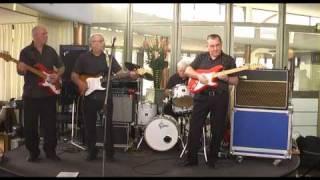 60+ GUITARBAND - PERFIDIA (the Shadows)