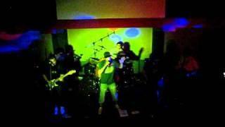ODIOSA BIYUYA - CUMBIA - Zeta Bar 6-11-2010