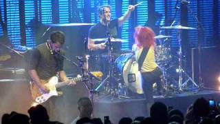 Paramore - Emergency (Live in Phoenix 09-15-2010)