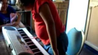Mi papa me regalo un teclado!