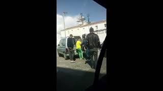 Niño loco de 13 años conduciendo en Tarifa