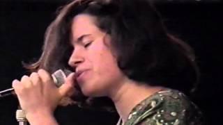 Natalie Merchant (10,000 Maniacs) - Interview (1988)