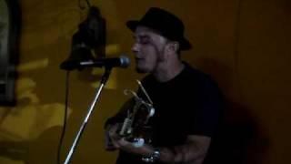 "Javier Carballido canta ""Ligia Elena"" de Ruben Blades"