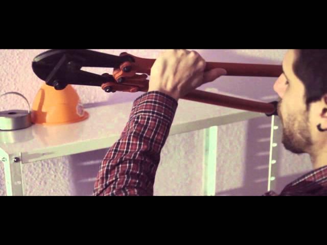 Videoclip de la canción Volver de Konmozion Zerebral