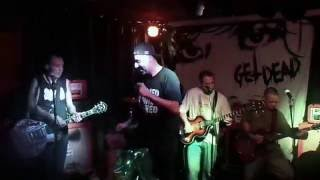 DECRETO 77 - No Trendy Winds (live Popular Alvalade)