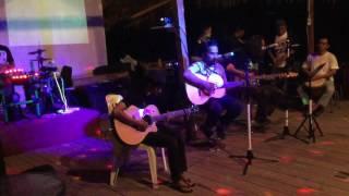 Joko nugroho feat egi fedly jam sesion di teras empang cafe and resto