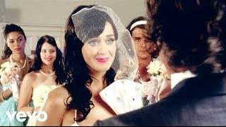 Katy Perry - Hot N Cold (Official) width=