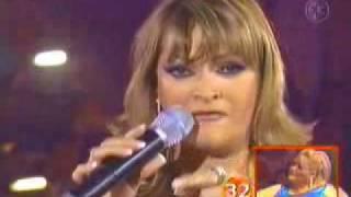 "Rocio Banquells canta ""Entrega Total"""