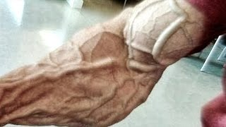 Frank McGrath - NEVER SURRENDER - Bodybuilding Motivation