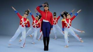 """""""Jingle Bells"""" - Elizabeth Chan (Taylor Swift """"Shake It Off"""" Parody)"""