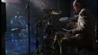 """Radiohead - """"2+2=5"""" (live on letterman)"""