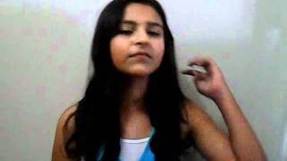 Maria Luiza canta Gypsy de Shakira