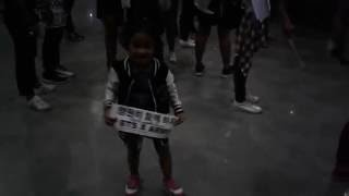 ᕙ(`▽´)ᕗ Ailey jamming to  SAVE ME by BTS || Epilogue Concert Asia Tour 2016 ~❤