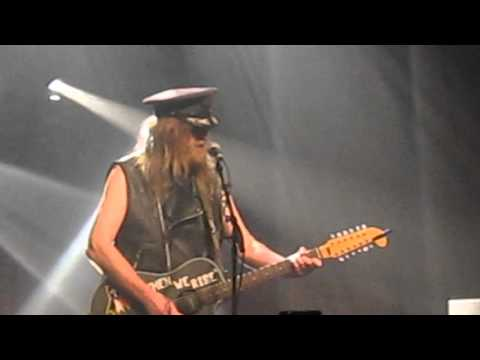 julian-cope-im-living-in-the-room-they-found-saddam-in-live-at-village-underground-matty-mabey