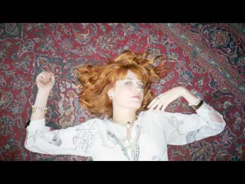 florence-the-machine-cosmic-love-acoustic-version-shornstarmusic