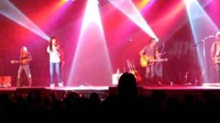 Gloriana - If You're Leavin' (Live)